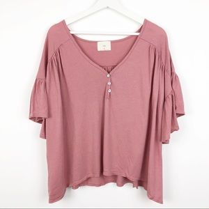 t. la Oversized Top with Ruffle Sleeves